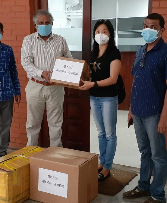 Confucius Institute, UoC donates Medical Masks and Thermometers – 11th May